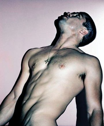 Brad Pitt  Erkekler onun sadece başarılarını değil, eminiz ki atletik ve seksi vücudunu da kıskanıyorlar!